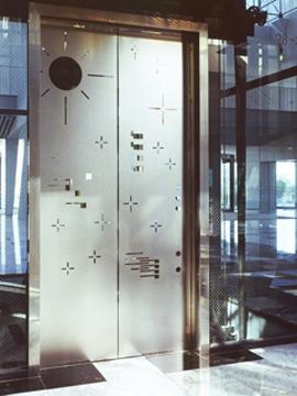 07-osaka-elevator-1